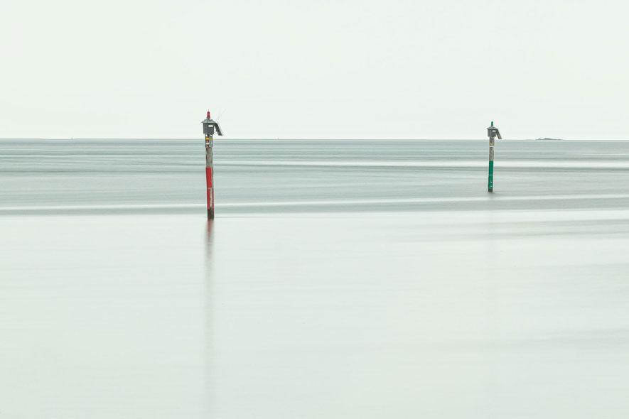 Long-Exposure-Harbour-Poles