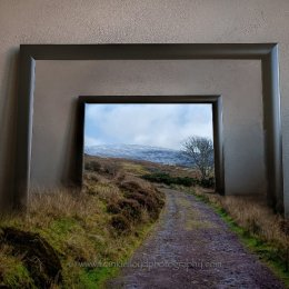 Nire-Lake-walk-Frame