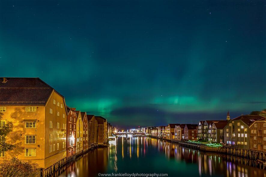 Northern-Lights-over-Trondheim