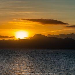 Sunrise-over-Croagh-Patrick-18x12