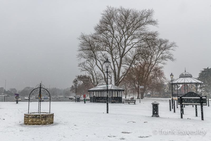 Snowy Christchurch