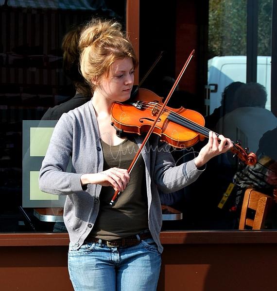 Downham Market fiddler