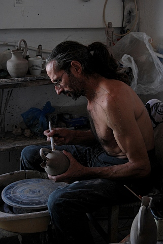 potter in manolates, samos