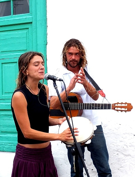 duo in Teguise market