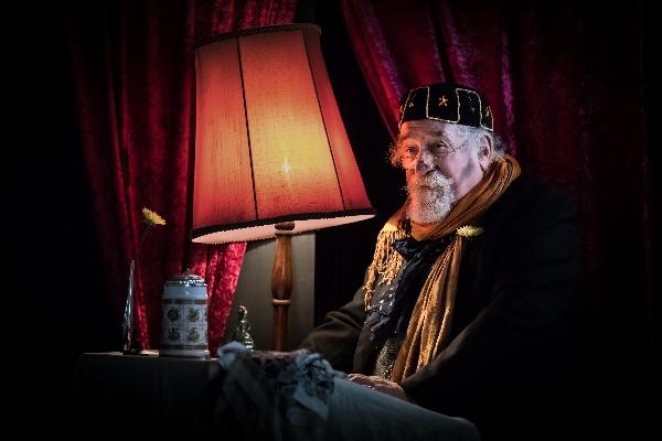 Mr Dickens Reads a Christmas Carol