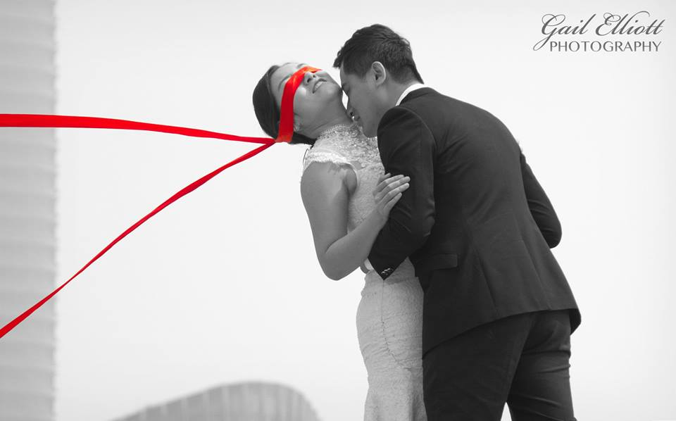 Bride red blindfold