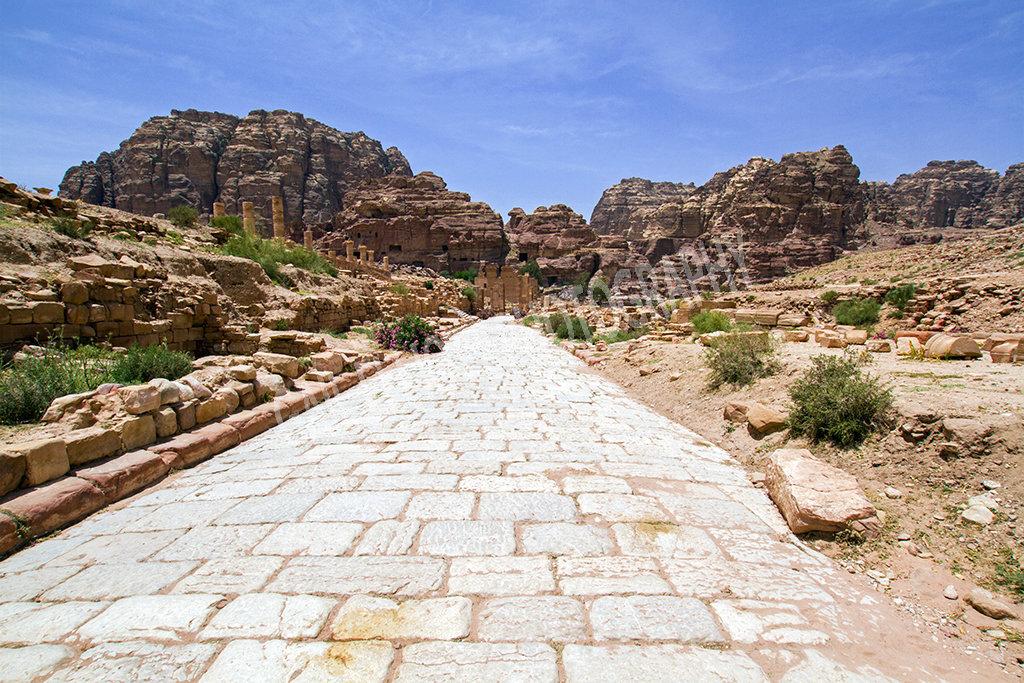 Facades Street, Petra