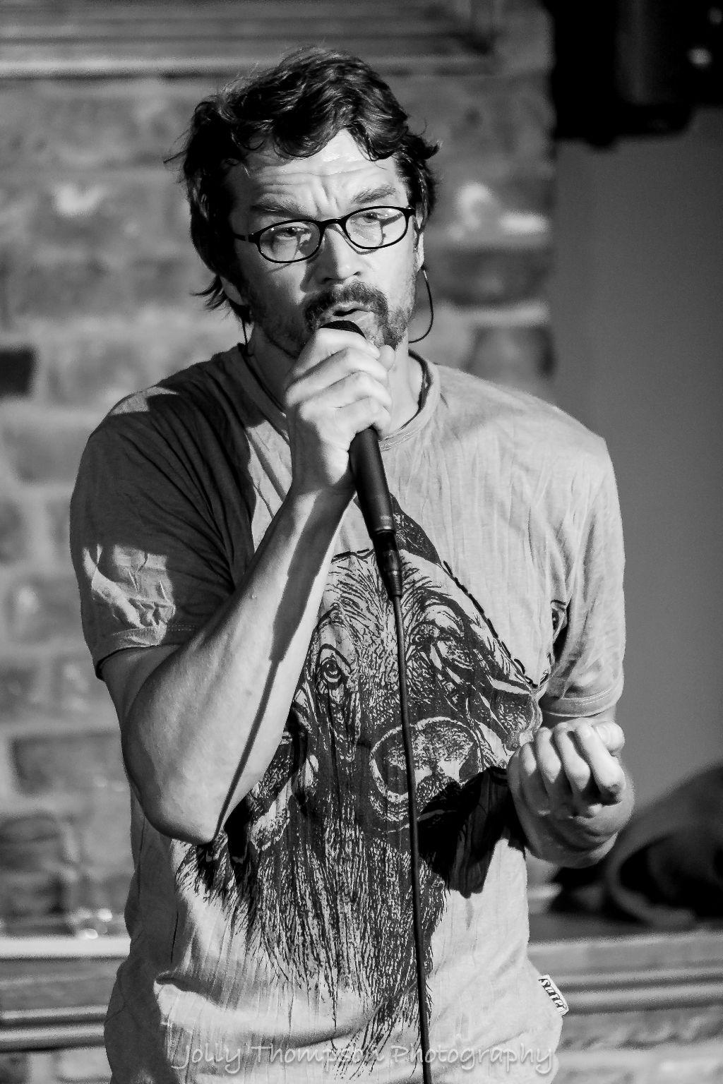 singer Dan Barta
