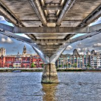 Under The Milenium Bridge 2