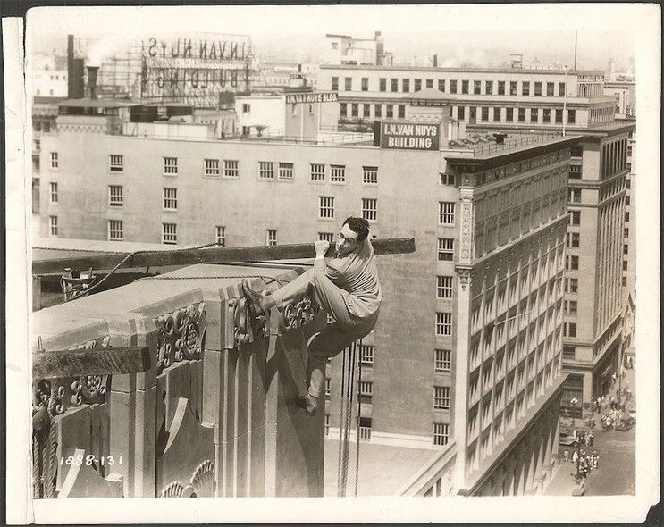 Harold Lloyd in Feet First