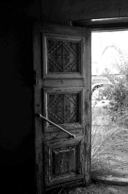 Old Home, Petalidi