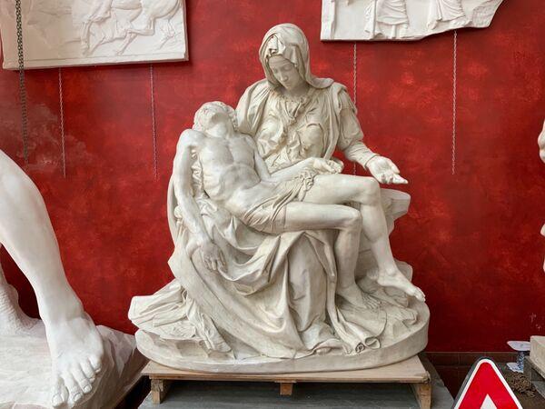 Pietà di Roma- finto marmo, velature