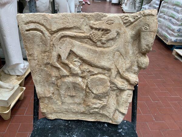 Parte di capitello romanico Chiesa di San Secondo-Mongiglietto AT