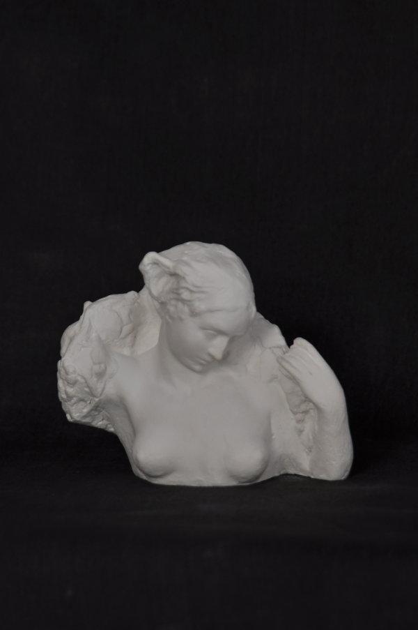 B107 Piccolo Busto Femminile