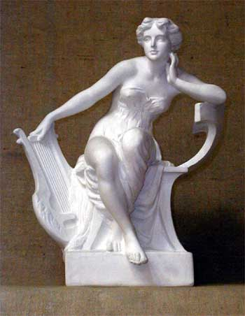 S159 Nudo femminile con arpa