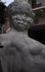 Particolare della schiena del David patina finto marmo