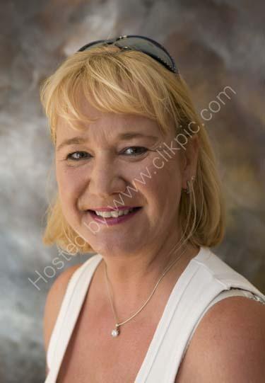 Nina Holland