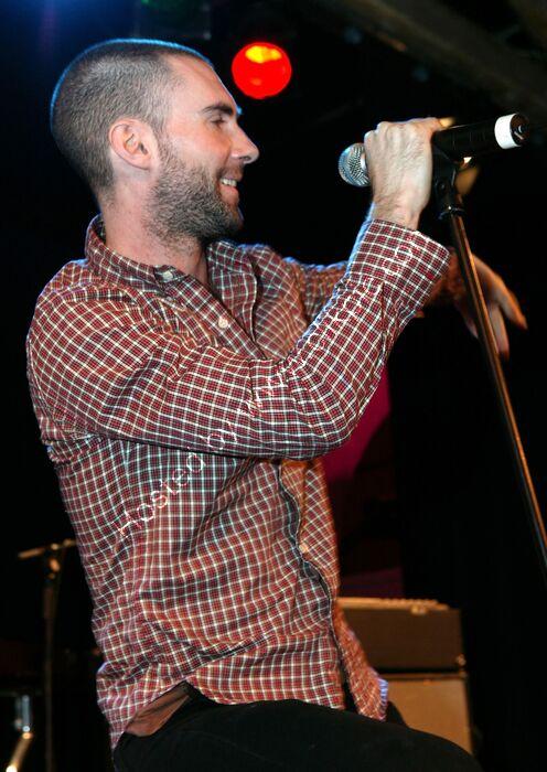 Adam Levine, Maroon5, 6