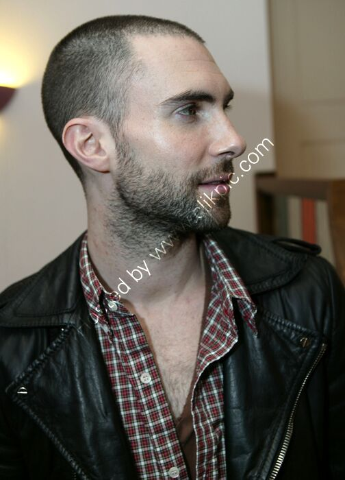 Adam Levine, Maroon 5, 3