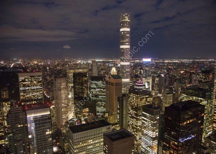 Manhattan Light Show 13