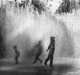 C Mono PDI -Trapped in the fountain John Wade
