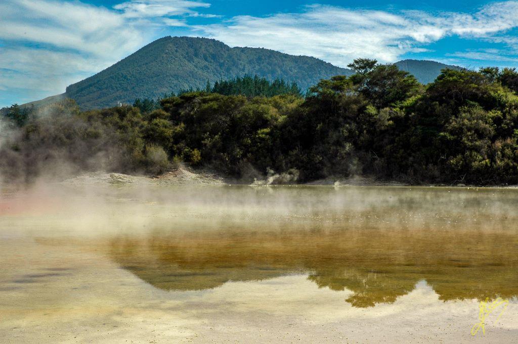 Wai-O-Tapu Thermal Wonderland, near Rotorua.