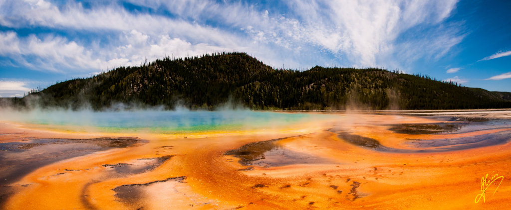 Grand Prismatic Spring, Yellowstone National Park, Wyoming.