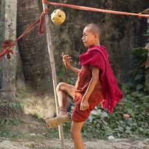 Playing Chinlone pue