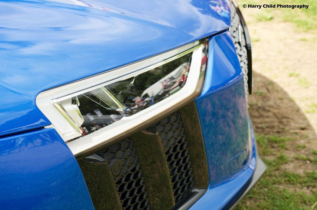 Audi - R8 V10+