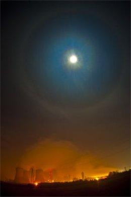 Full Moon Halow at night