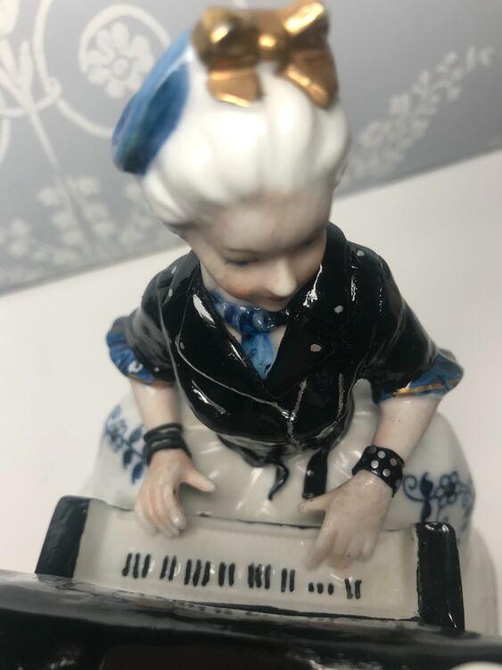 Depeche Maid