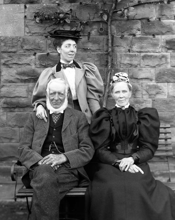 Group portrait c.1898