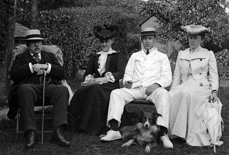 Family group c.1908