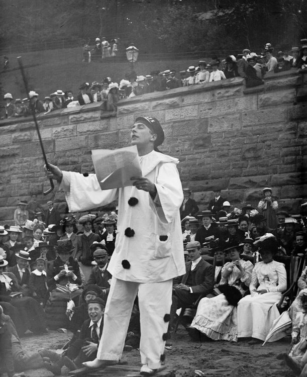 Pierrot at Scarborough c.1904