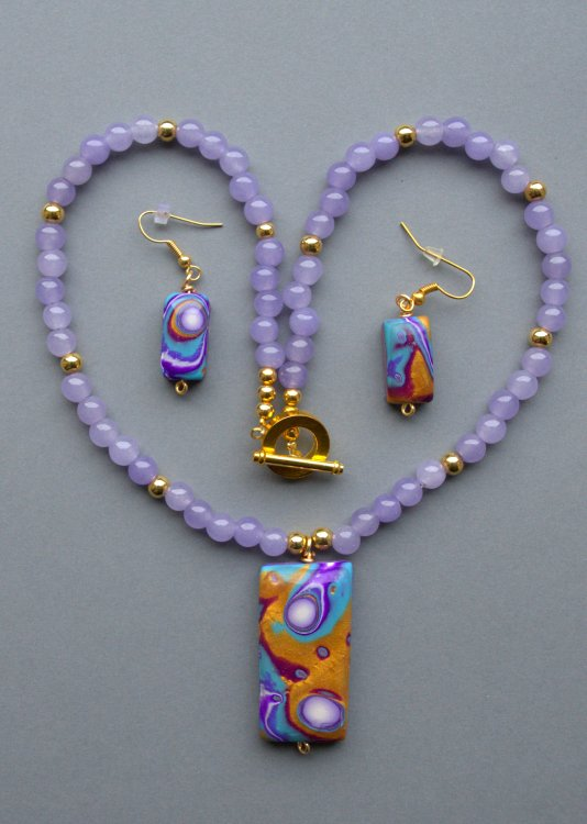 Silky Lavender Pendant Necklace & Matching Earrings