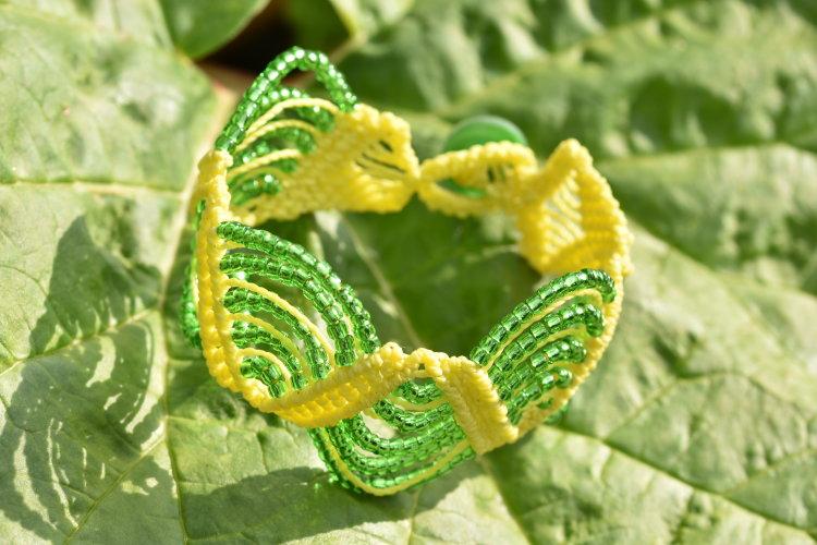 Lemon & Lime Wavy Path Macrame Bracelet