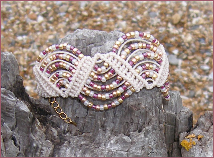 Flotsam & Jetsam Wavy Path Bracelet