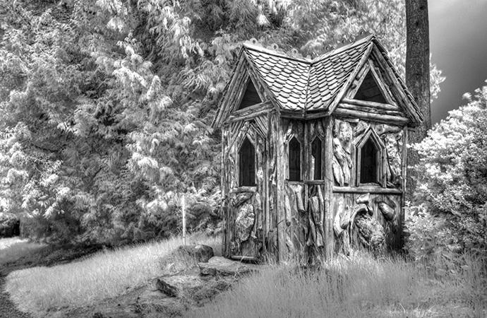 Carved Hut, Muncaster