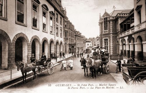 Market Square and horse drawn carriages
