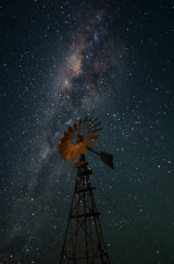 MH0049 Windmill Under the Milky Way RS