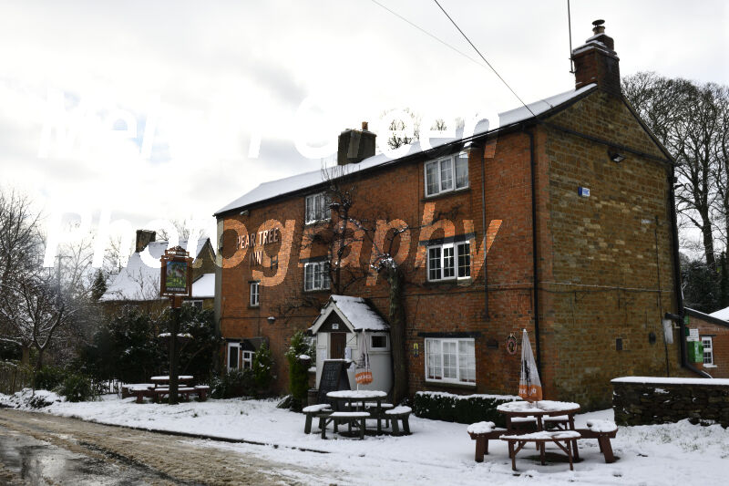 Peartree Inn in Snow