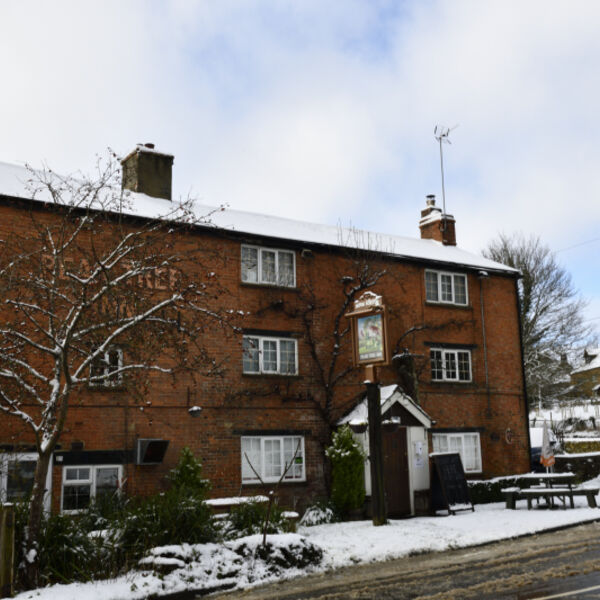Peartree Inn in Snow