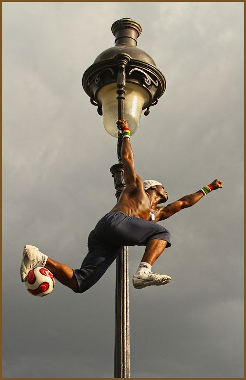 Lamp Swinger