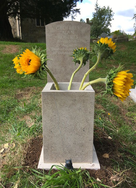 Headstone and planter