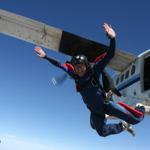 A member of 23 Engr Regt (Air Assault) freefall training over California