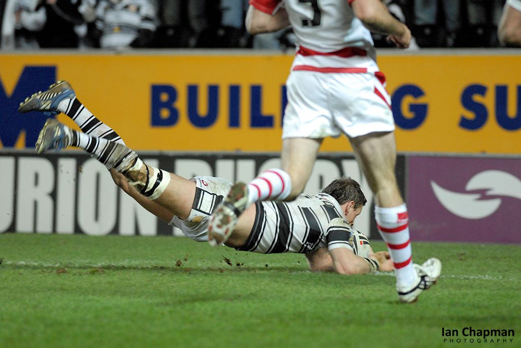 Flying try. Hull FC score against Wigan at the KC Stadium, Hull