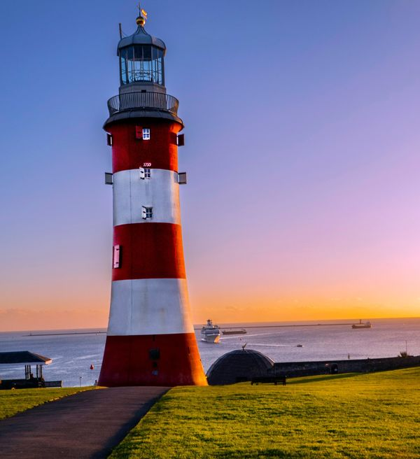 SMEATON TOWER BARBICAN PLYMOUTH (cold December evening)