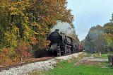 33-236 hauling a freight near Ljubac