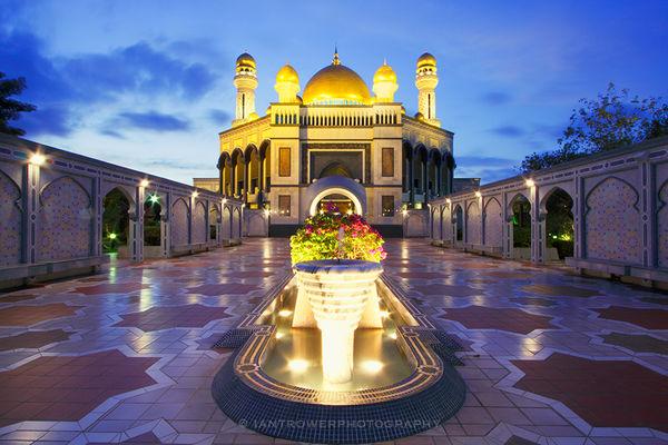 Jame'Asr Hassanil Bolkiah Mosque, Bandar Seri Begawan, Brunei