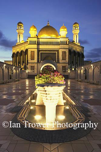Jame'asr Hassanal Bolkiah Mosque, Bandar Seri Begawan